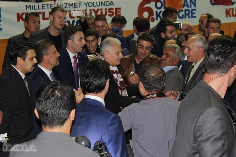 AK Parti Elazığ 6. Merkez İlçe Olağan Kongresine katılan Başbakan Yıldırım,