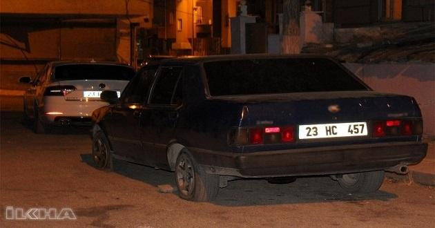 Lastikleri patlatılan aracına bakmak için dışarıya çıkan kişi silahlı saldırıya uğradı