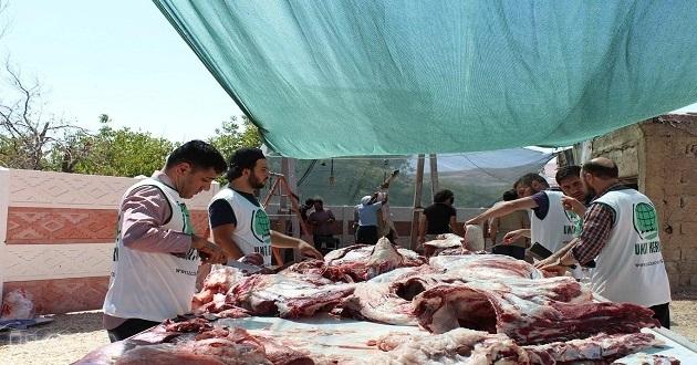 Elazığ'da yoksul ailelere kurban eti ulaştırıldı