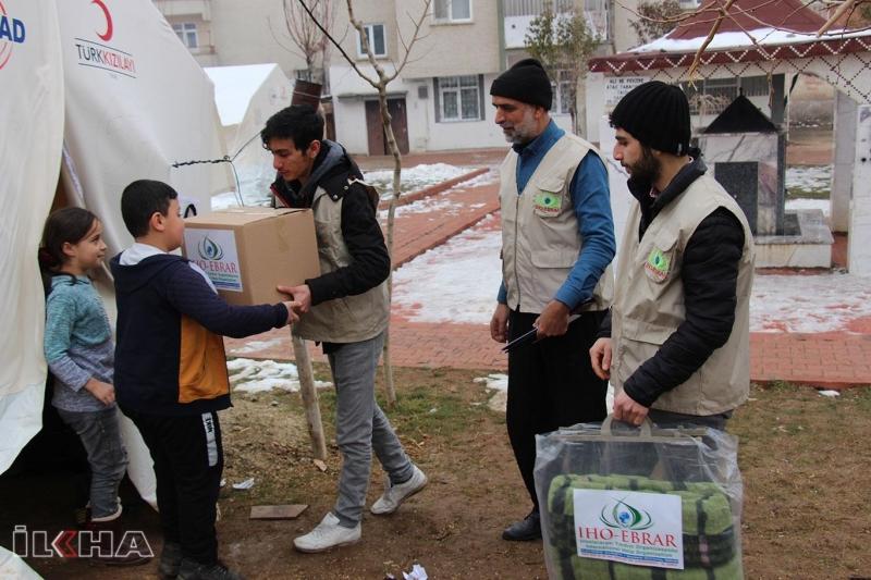 Avrupa'nın farklı bölgelerindeki camilerden depremzedelere yardım