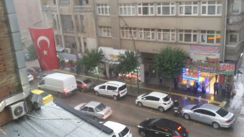 Elazığ merkezde sağnak yağış.