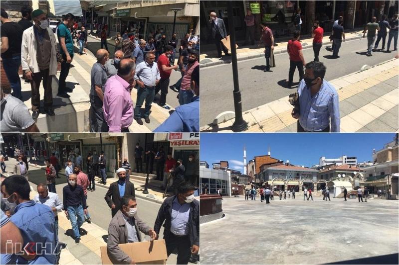 Elazığ'da bazı vatandaşlar haftalardır bekledikleri Cuma namazını kılamadılar-VİDEO