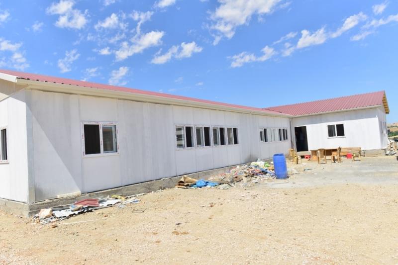 Elazığ`da Depremde yıkılan okulların yerine yenilerinin yapımına başlandı.