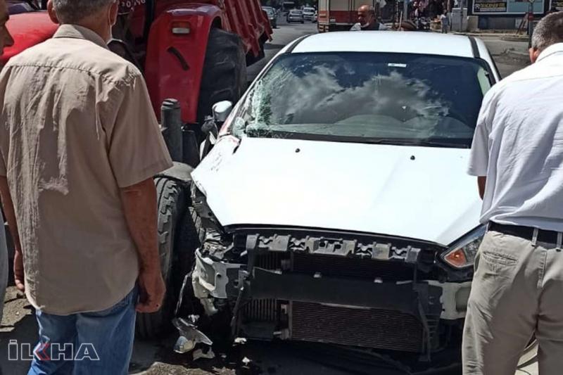 Elazığ'da maddi hasarlı kaza