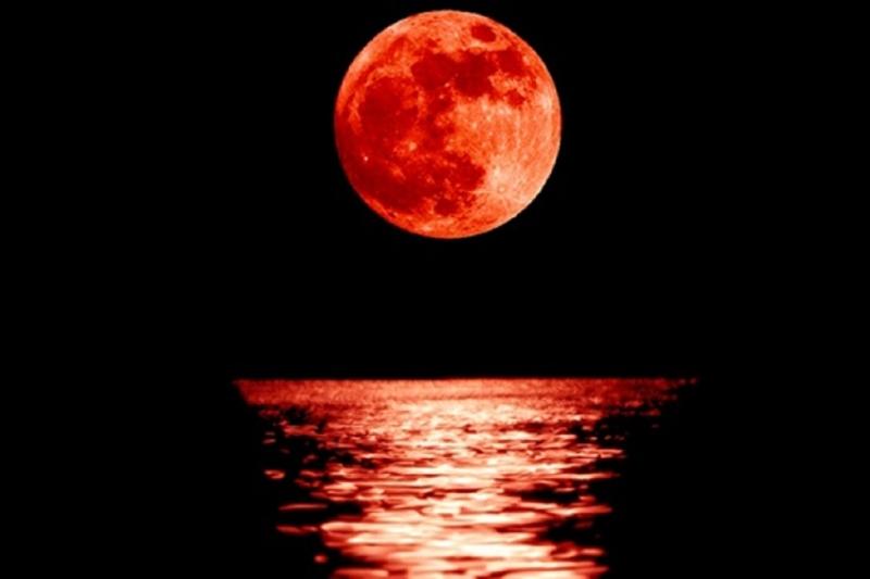 En uzun kanlı Ay tutulması bu gece gerçekleşecek