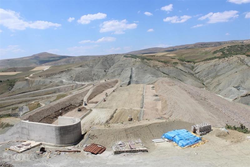 Kovancılar Kanatlı Barajı'nda çalışmalar devam ediyor