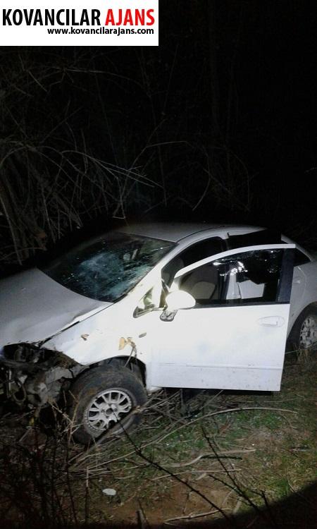 Kovancılar`da Araç Dereye Yuvarlandı : 1 Yaralı
