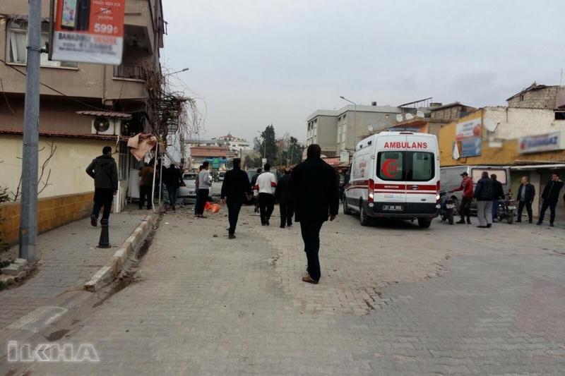 Reyhanlı'ya roketli saldırı: Bir ölü 30 yaralı