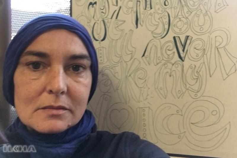 Ünlü kadın şarkıcı Müslüman oldu